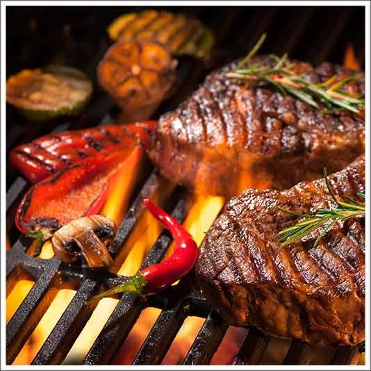 Traditionele vlees barbecue bij Parckhoeve Schiedam